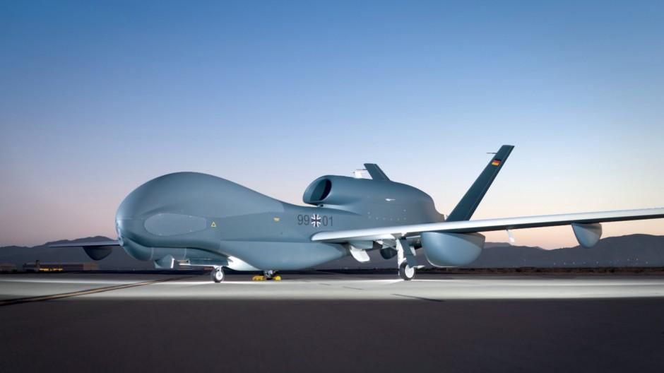 Bundesrechnungshof schont in Bericht zur Drohne Euro Hawk den Verteidigungsminister de Maizière