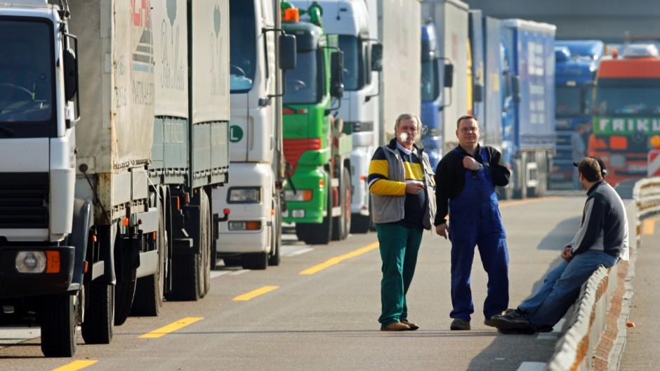 Neue Lenk- und Ruhezeiten für LKW-Fahrer