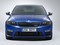 Zwei Motorvarianten des Sportkombi werden angeboten: mit dem Vierzylinder-Turbo des VW Golf GTI mit162 kW / 220 PS oder dem Commonrail-Diesel des VW Golf GTD135 kW / 184 PS