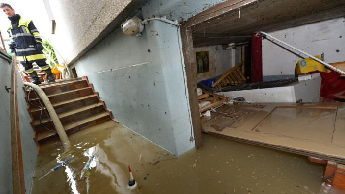 Hochwasser und die Folgen - Was bei einem Wasserschaden im ...