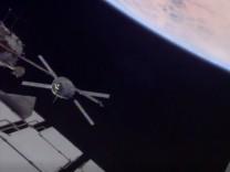"""Andock-Manöver: Raumtransporter ´Albert Einstein"""""""