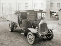 Dieselmotor, der erste LKW mit Direkteinspritzung, 1924First injection engine truck, 1924.