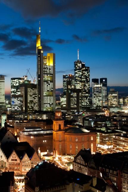 Skyline von Frankfurt am Main am Abend
