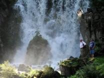 Wasserfall; Kassel Wilhelmspark Bergpark Welterbe Unesco Wilhelmshöhe Herkules Wasserspiele Wassertheater