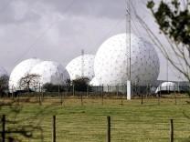 Antennen in Menwith Hill - mutmaßlicher Sitz des britischen GCHQ.
