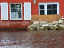 Haus kaufen Versicherungen Hochwasser Erdbeben Wohngebäudeversicherung