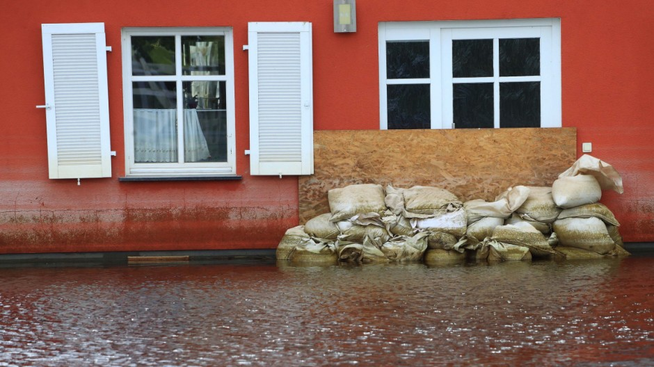 ... Haus Kaufen Versicherungen Hochwasser Erdbeben Wohngebäudeversicherung