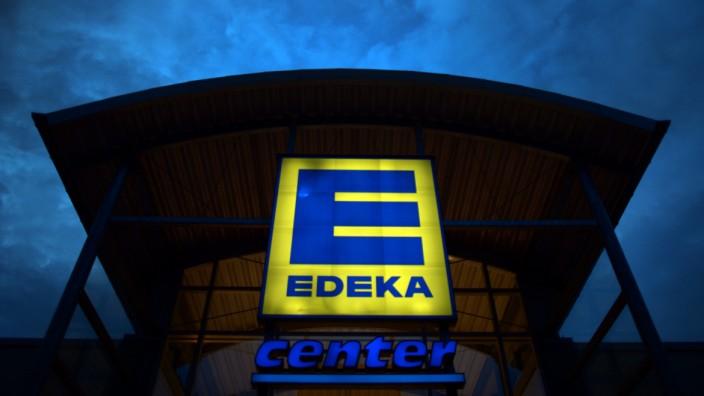 Bei Edeka Südbayern wird eine Mitarbeitrin überwacht, nachdem sie Unregelmäßigkeiten angezeigt hat