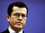 Karl-Theodor zu Guttenberg; Bundesverteidigungsminister; Kundus-Affäre; Unteruschungsausschuss; Reuters