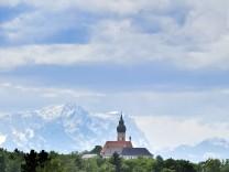 Andechs mit Zugspitze