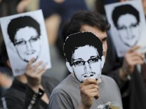 Demonstranten für Edward Snowden
