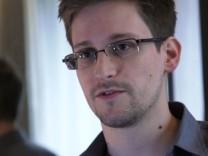 Venezuela, Nicaragua offer Snowden asylum