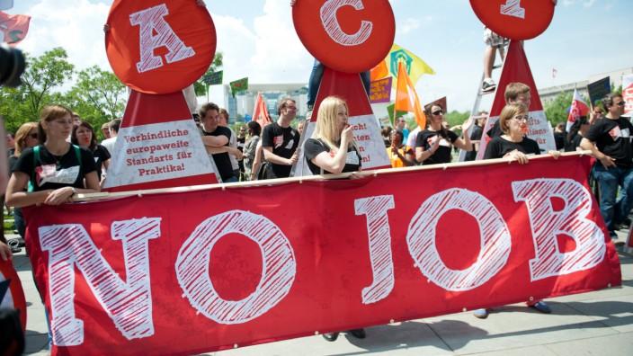 Demo gegen Jugendarbeitslosigkeit