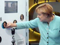 Merkel beim Festakt zum 150-jährigen Bestehen der Bayer AG in Köln.