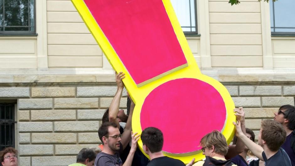 Proteste in Halle gegen Sparpläne des Landes