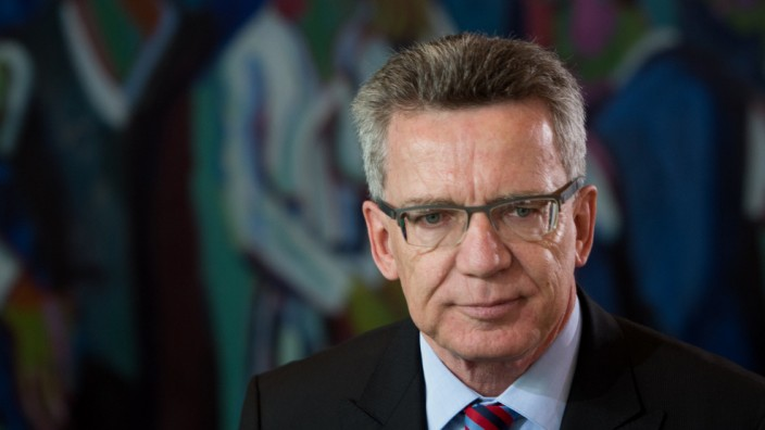 Thomas de Maizière Verteidigungsminister Drohne Euro Hawk