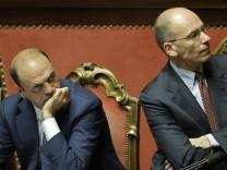 Innenminister Angelino Alfano (li.) und Regierungschef Enrico Letta im Senat in Rom.