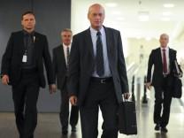 BND-Chef Schindler kommt zu Sitzung zur NSA-Affäre