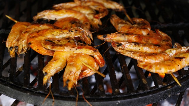 Marinierte Garnelen am Spieß gegrillt (Quelle: Fire&Food)