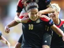 Fußball-EM der Frauen Deutschland Schweden Dzsenifer Marozsán
