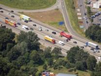 Luftbild Autobahn 5 bei Karlsruhe