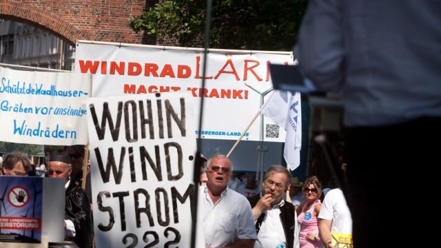 Demonstration der bayerischen Windradgegner am Sendlinger Tor Platz