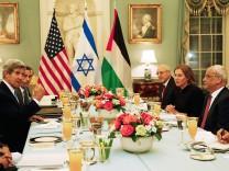 John Kerry, Tzipi Livni, Saeb Erekat, Yitzhak Molcho,