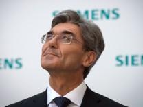 Joe Kaeser Replaces Peter Loescher As Siemens CEO