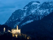 Neuschwanstein, Märchenschloss von König Ludwig II von Bayern, iStock