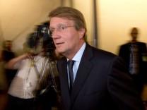 Ronald Pofalla nach der Sitzung des PKGr in Berlin.