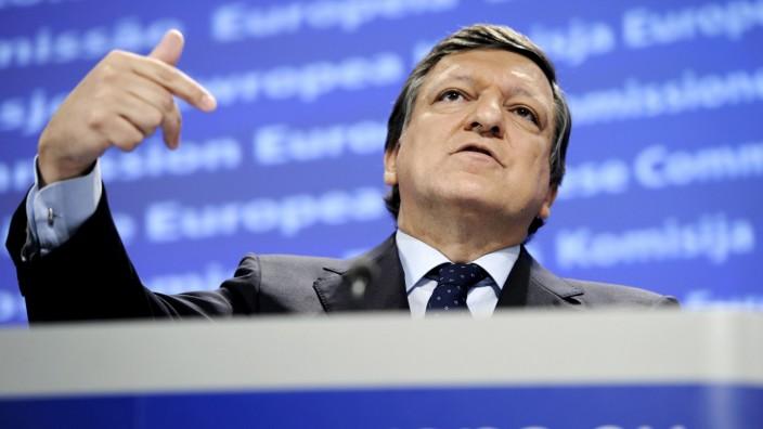 European Commission President Jose Manuel Barroso addresses a news conference in Brussels