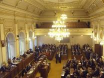 Das tschechische Abgeordnetenhaus in Prag vor der Abstimmung.