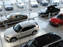 Automarkt, Neuwagen, Autokauf, Autohändler