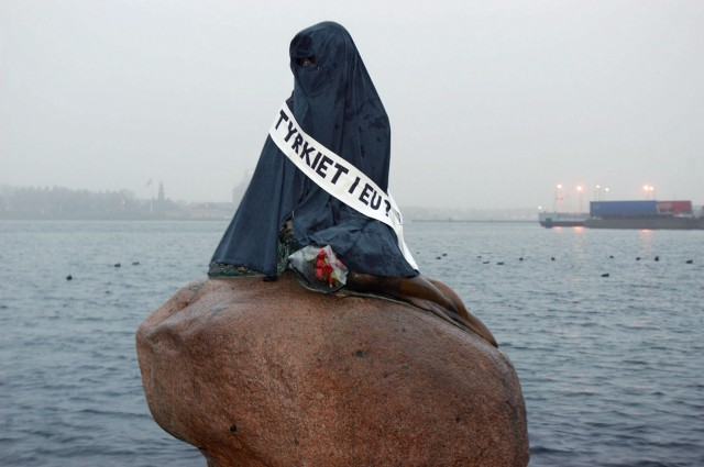 DENMARK-LITTLE MERMAID-VANDALIZED; Kleine Meerjungfrau Kopenhagen