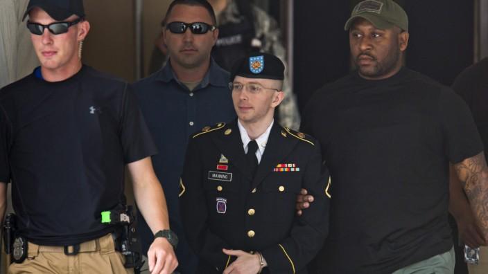 Manning sentenced to 35 years jail