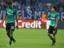FC Schalke 04 v PAOK Saloniki - UEFA Champions League Play-offs: First Leg