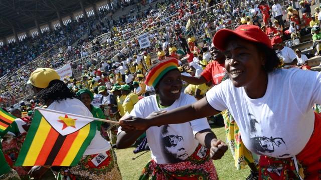 Robert Mugabe Nach umstrittener Wahl in Simbabwe