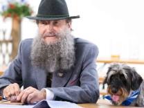 Edmund Stoiber mit Bart in Wahlwerbespot