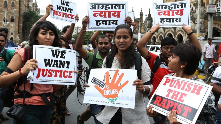 Indian photojournalists protest against gang rape of  female coll