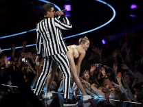 Miley Cyrus VMA Twerking