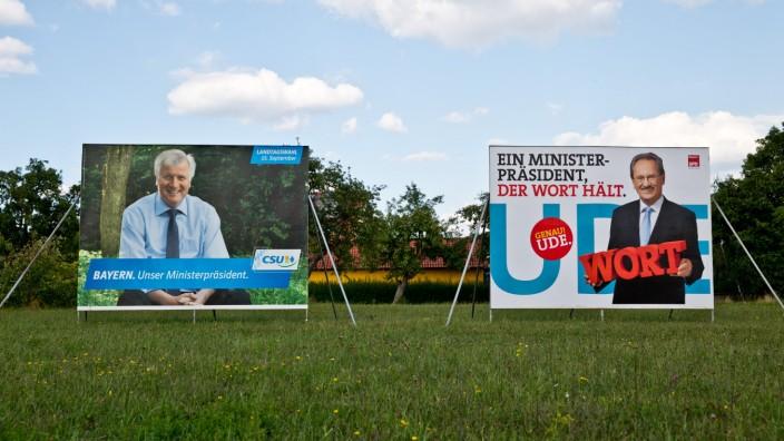 Wahlplakate zur Landtagswahl in Bayern