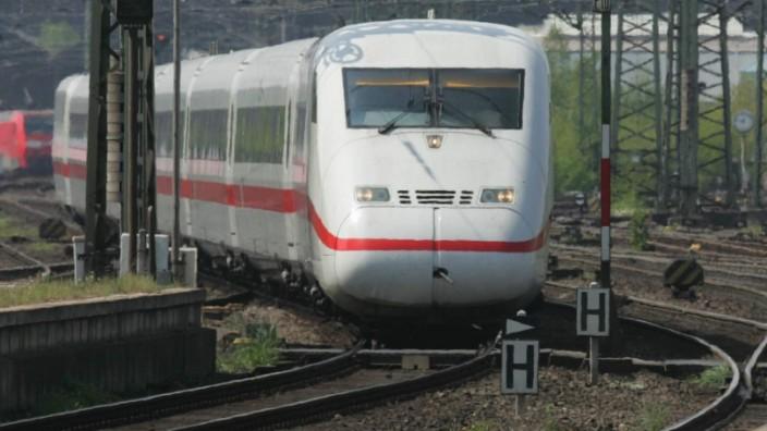 ICE, Zug, Bahnhof, Flughafen, Frankfurt, Bahn, Deutsche Bahn