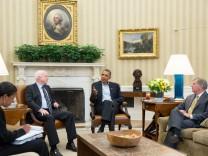 John McCain (links) wollte einst selbst gern Präsident werden, nun empfing ihn Amtsinhaber Barack Obama immerhin im Oval Office.