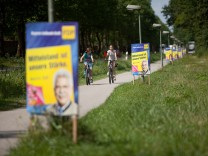 Wahlplakate in Oberschleißheim mit Martin Zeils Konterfei.