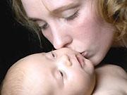 Mutter mit Baby, ddp