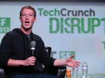 Facebook Chef Mark Zuckerberg spricht auf Konferenz