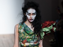 Vivienne Westwood Red Label - Runway: London Fashion Week SS14