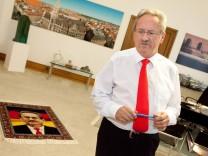 Oberbürgermeister Christian Ude kehrt in sein Büro ins Rathaus zurück