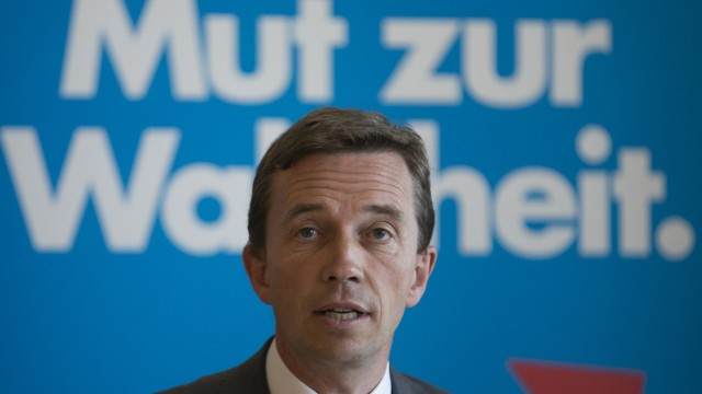 Alternative for Germany party leader Bernd Lucke speaks during news conference in Berlin