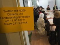 Flüchtlinge treffen Vertreter der Parteien